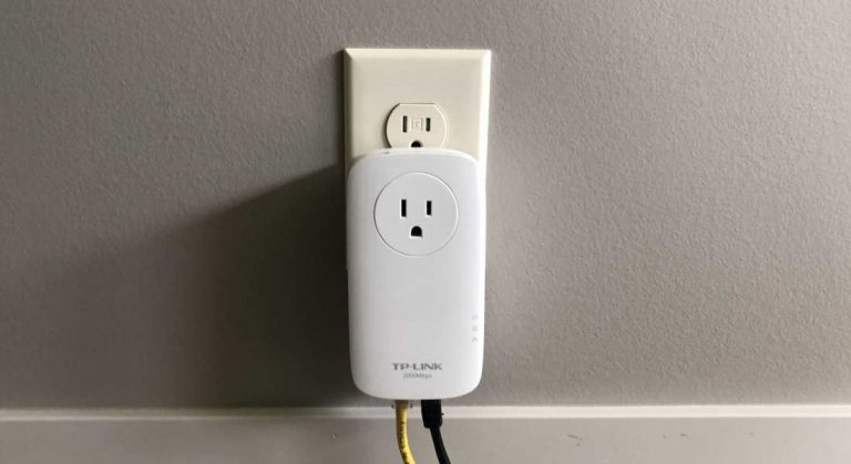 tplink av2000 in outlet example