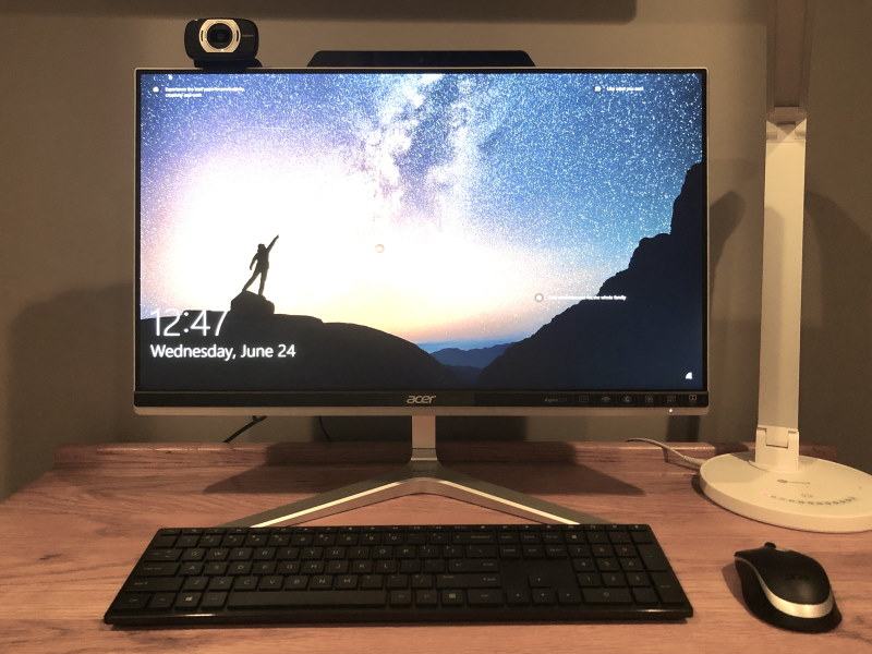 The Acer Aspire Z24 image with screen on.